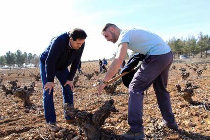 Paco Nuñez recuerda que los agricultores y ganaderos necesitan agua para regar e inversiones que garanticen sus explotaciones