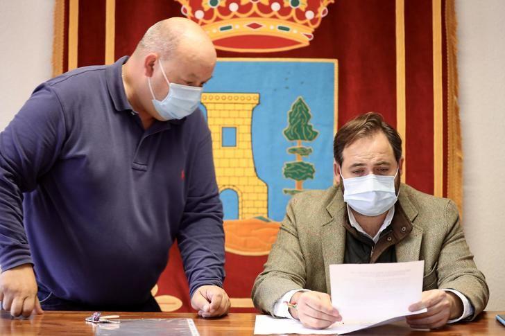 El presidente del PP-CLM ha visitado varios municipios de la sierra de Guadalajara, donde sectores como el Turismo y la Hostelería se han visto muy dañados a causa de la pandemia