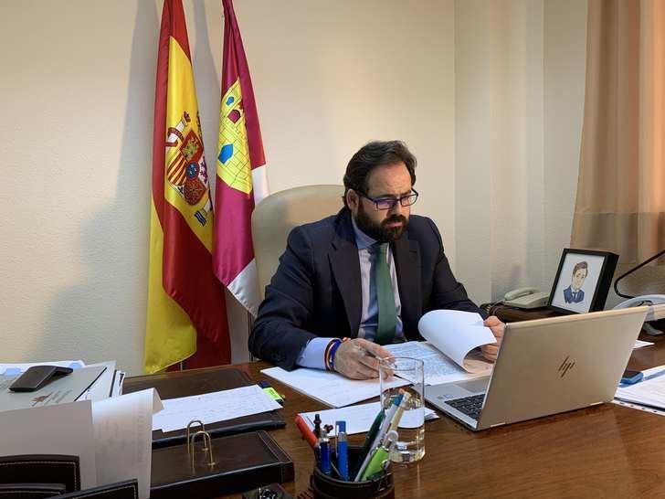 Paco Núñez pide a Page que solicite ayuda al Ejército para que colabore con el personal de las Residencias de Mayores a sacar adelante la gestión de la pandemia del coronavirus