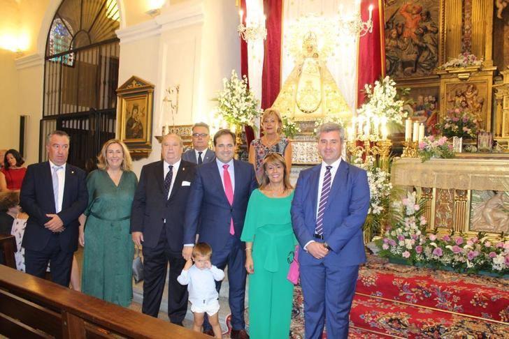Paco Núñez asiste a la misa mayor en honor a la Virgen de la Antigua en El Casar