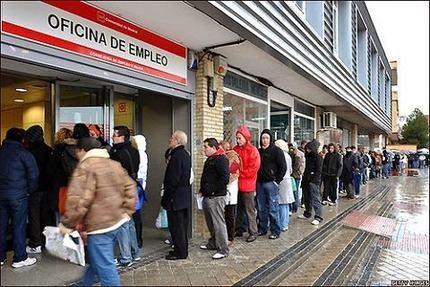 El desempleo crece en Castilla La Mancha con el gobierno de Page/Podemos : La región cerró el primer trimestre con 6.200 parados más y una tasa de paro del 20,68%