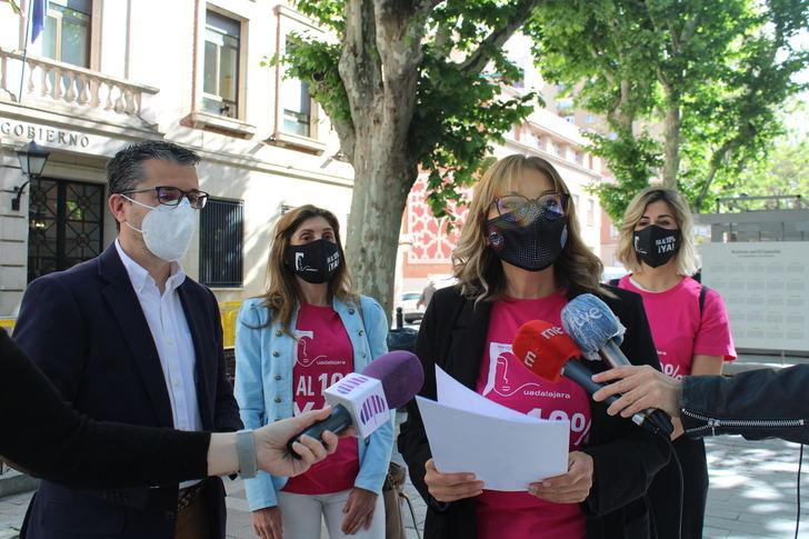 La Asociación de Peluquerías y Centros de Estética de Guadalajara se vuelve a concentrar para reclamar la recuperación del IVA reducido para el sector