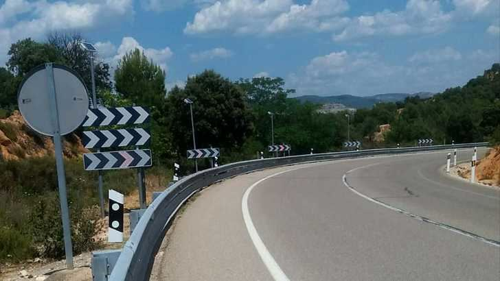 Carreteras del Estado mejora la señalización de la N-204 a su paso por Pareja