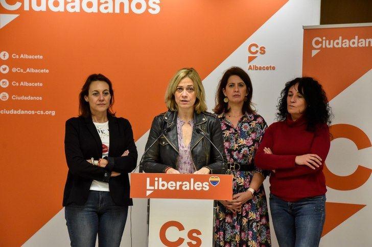 """Ciudadanos denuncia la """"dejación de funciones"""" de los gobiernos de Sánchez y García-Page y les acusa de generar """"una angustia añadida"""" en familias y docentes"""
