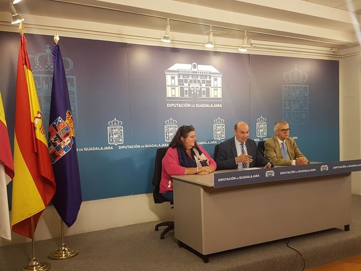 La periodista Pilar Bonet gana el VI Premio Internacional de Periodismo 'Cátedra Manu Leguineche'