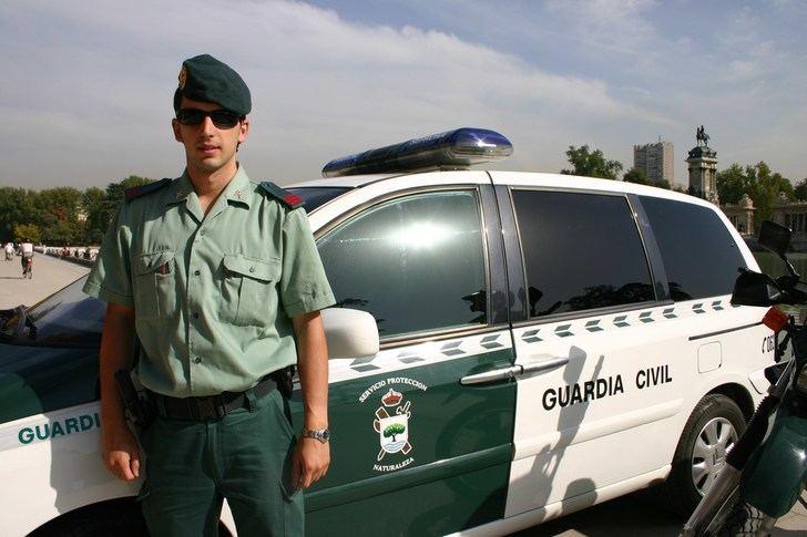 La Guardia Civil desmantela un grupo especializado en robos de vehículos y establecimientos