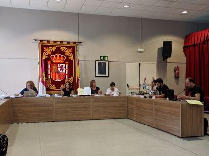 El Pleno de Villanueva aprueba una moción nula de pleno derecho según informe de Secretaría, con el voto en contra del equipo de Gobierno
