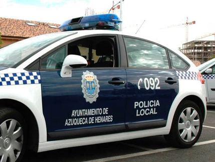 Tres policías locales afectados por inhalar humo en un incendio en Azuqueca de Henares