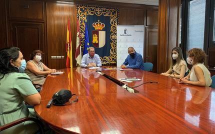 El Gobierno regional brinda su apoyo a la Asociación Síndrome de Prader Willi de Castilla-La Mancha para dar visibilidad a esta enfermedad rara