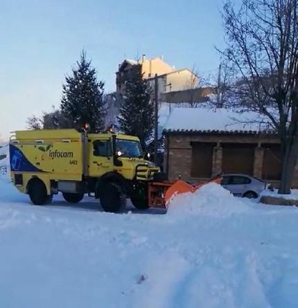 El operativo de Geacam trabaja este jueves en el rescate de varias personas aisladas por la nieve en diversos municipios de la provincia de Guadalajara