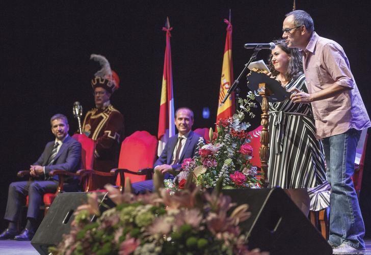 El pregón de Erundino y Laura Galán abre las Ferias y Fiestas de Guadalajara