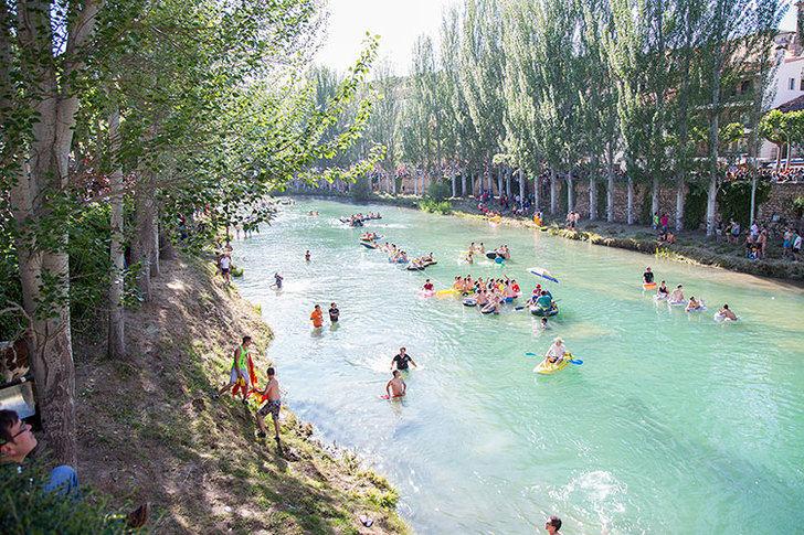Prohíben el baño en el río Tajo en Trillo por contaminación microbiológica
