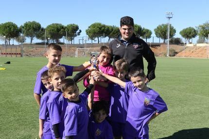 150 niños y niñas de Quer han participado este sábado en el torneo de fútbol alevín y prebenjamín