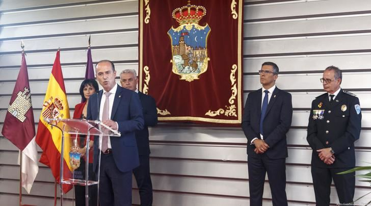 Alberto Rojo felicita en Guadalajara a los agentes cuya labor ha sido reconocida en el Día de la Policía Local