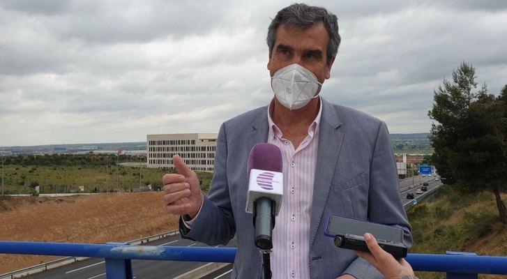 Antonio Román muestra su oposición a que el Gobierno de Sánchez cobre peajes por circular por las autovías