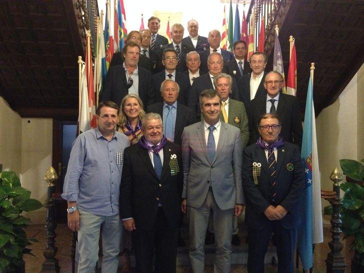 El alcalde de Guadalajara recibe a los participantes del XLIII Congreso de Federaciones Autonómicas de Golf