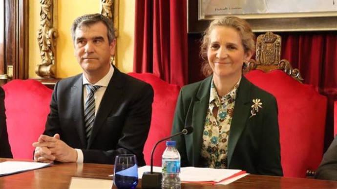 La infanta Elena resalta junto a Antonio Román en Guadalajara el papel integrador del Programa Social de Empleo de Mapfre