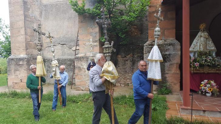 Letanías en Valbuena, la Virgen de la comarca de Jadraque