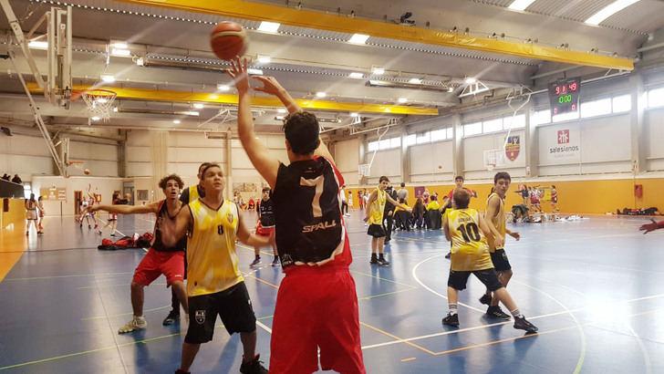 El III Torneo de Navidad de Baloncesto inauguró con éxito el 50 aniversario del CD Salesianos Guadalajara