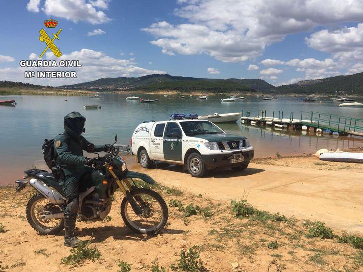 El SEPRONA vigila el uso de las embarcaciones de recreo en las masas de agua de la provincia de Guadalajara