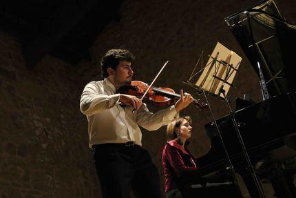 Un brillante concierto de piano en Sigüenza, y de viola con piano, cierra el año musical de Bell´Arte Europa