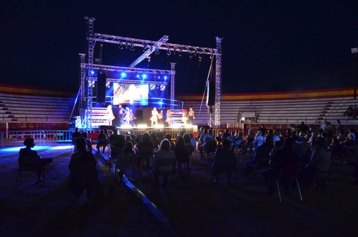 """Cartel de """"No hay billetes"""" en Yunquera de Henares para disfrutar del espectáculo 'The Talent, El Musical'"""