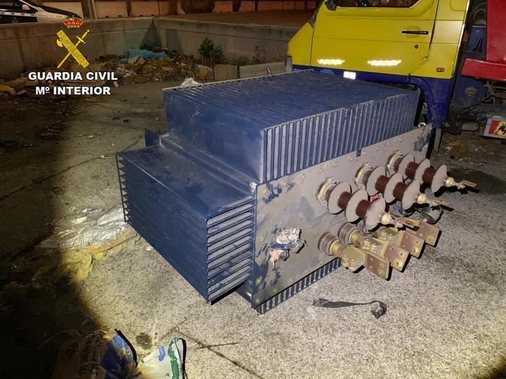 La Guardia Civil detiene a siete personas por robar un transformador eléctrico de grandes dimensiones en Azuqueca