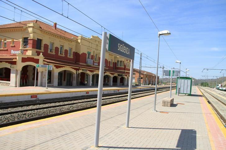 Sigüenza pide ayuda a los ciudadanos para hacer visible la urgente necesidad de la vuelta de los trenes