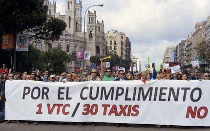 """Los taxistas denuncian que """"la proporción de licencias de VTC empieza a ser preocupante en Guadalajara"""""""
