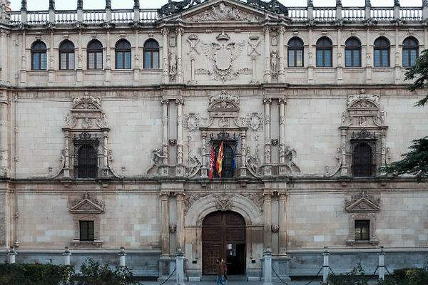 La UAH da visibilidad a las autoras en lengua castellana con 'Fantásticas e insólitas'