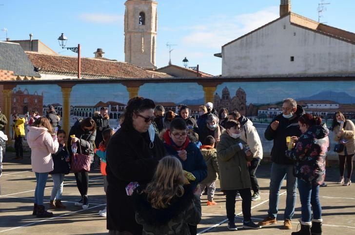 Los más pequeños de Yunquera de Henares adelantaron el final del 2020 con las 'Campanadas Infantiles'