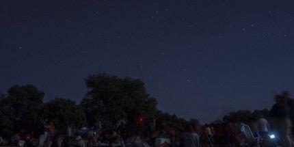 Medio millar de personas eligieron AstroYebes este fin de semana para ver las Perseidas desde Valdenazar