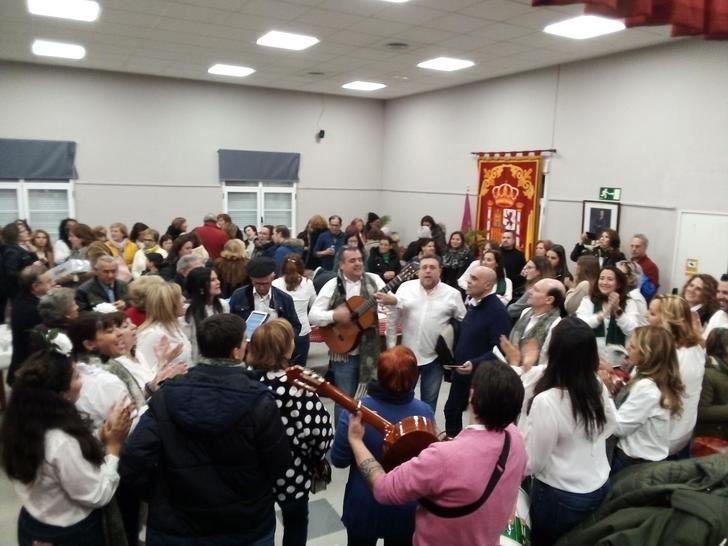 El folklore invade Villanueva de la Torre con un formidable Certamen de Villancicos