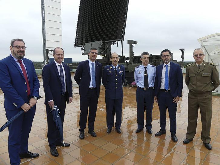 Visita institucional al Centro de Evaluación y Análisis Radioeléctrico (CEAR) del Ministerio de Defensa