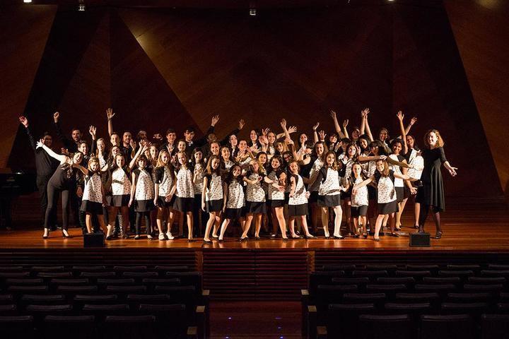 Concierto de voces blancas y cine infantil esta semana en el Teatro Moderno
