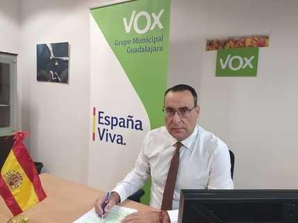VOX pregunta al alcalde de Guadalajara, el socialista Alberto Rojo, si los miembros del equipo de Gobierno municipal se han vacunado del Covid-19