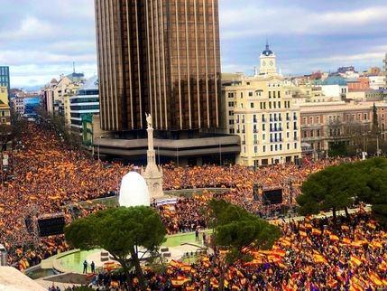La España de rojo y gualda