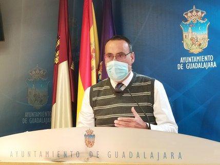 """VOX justifica su enmienda a la totalidad de las ordenanzas fiscales en Guadalajara """"al carecer de una valoración del impacto económico que tendrán en las cuentas municipales"""""""