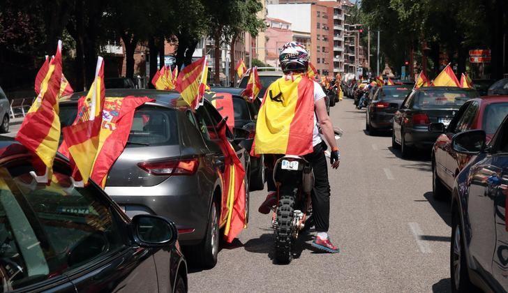 Más de 750 vehículos, en un impecable ejercicio de civismo, se manfiestan por las calles de Guadalajara para pedir la dimisión del Gobierno de Sánchez e Iglesias por su