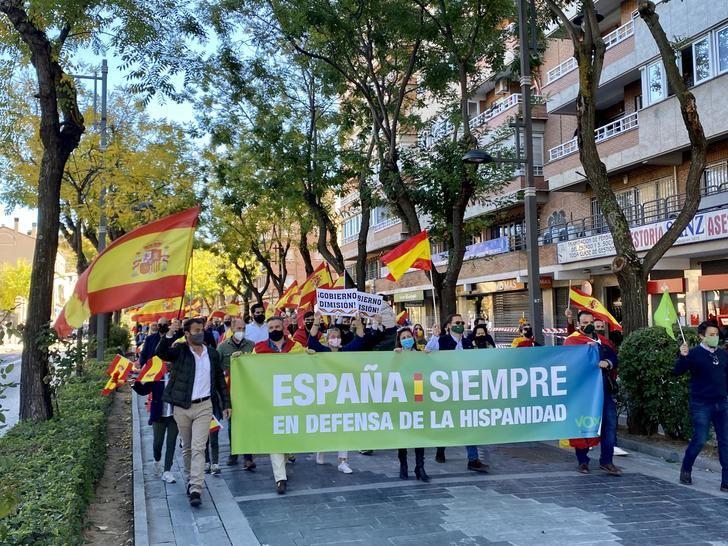 Un millar de guadalajareños salen a las calles convocados por VOX para celebrar el día de la Hispanidad