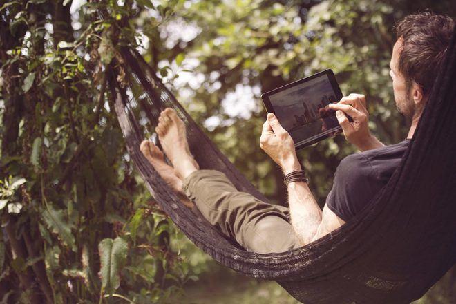 Wi-Fi en el jardín o en la piscina, consejos para una buena conexión al aire libre