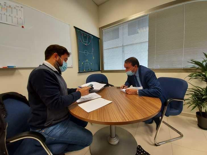 AIKE y el geerente del Patronato de Deportes del Ayuntamiento de Guadalajara se reúnen para hablar de sus propuestaas