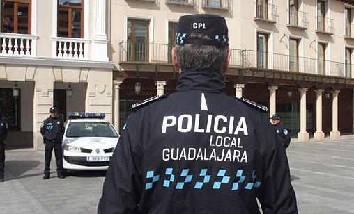 Uno de los cinco detenidos por alcoholemia de esta semana bate el récord anual en Guadalajara con 1,37 de alcoholo por litro de aire espirado